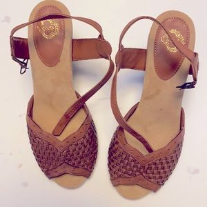Ecote' sandals very good condition!